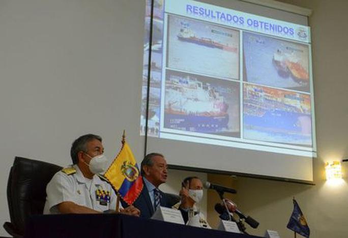 Ecuador vạch trần chiêu trò của tàu cá Trung Quốc - Ảnh 1.