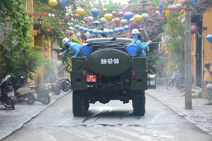 Quảng Nam tiếp tục phong tỏa khu dân cư có nguy cơ lây nhiễm cao - Ảnh 1.