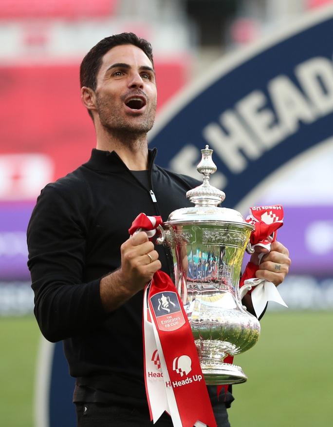 Vô địch FA Cup, Arsenal khiến láng giềng Tottenham rơi nước mắt - Ảnh 3.