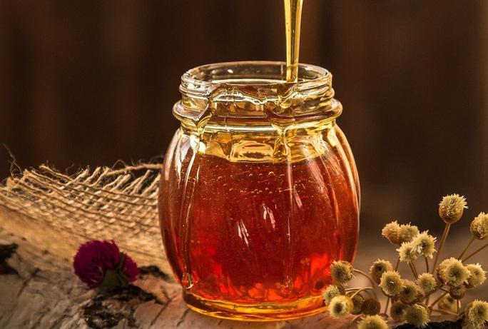 Nghiên cứu Oxford: Mật ong đánh bại hàng loạt thuốc trị nhóm bệnh phổ biến - Ảnh 1.