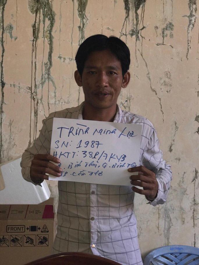 Nữ tài xế taxi Mai Linh chống trả quyết liệt kẻ cướp dù bị siết cổ giữa đêm - Ảnh 1.