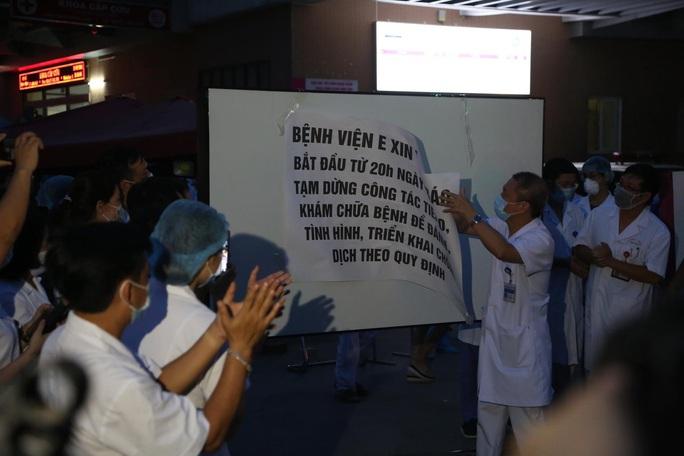 Dỡ phong toả Bệnh viện E sau khi rút bệnh nhân 994 khỏi danh sách ca mắc Covid-19 - Ảnh 1.