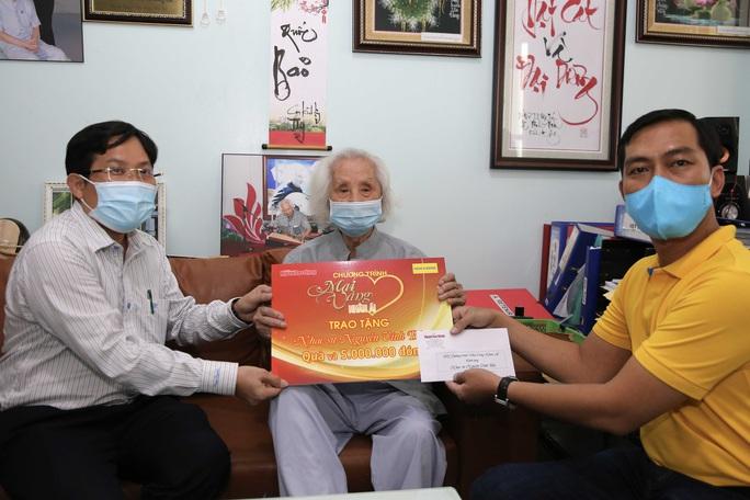 Mai Vàng nhân ái thăm nhạc sư Nguyễn Vĩnh Bảo và NSƯT Phương Tùng - Ảnh 1.