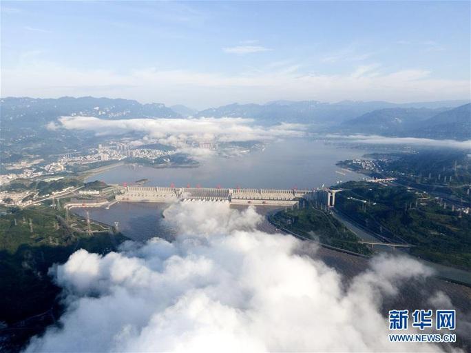 Đập Tam Hiệp đón đỉnh lũ kể từ khi được xây dựng  - Ảnh 1.