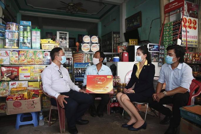 Cần Thơ: Mai vàng nhân ái thăm NS Kiều Mỹ Dung và NS Thạch Sỹ Long - Ảnh 6.