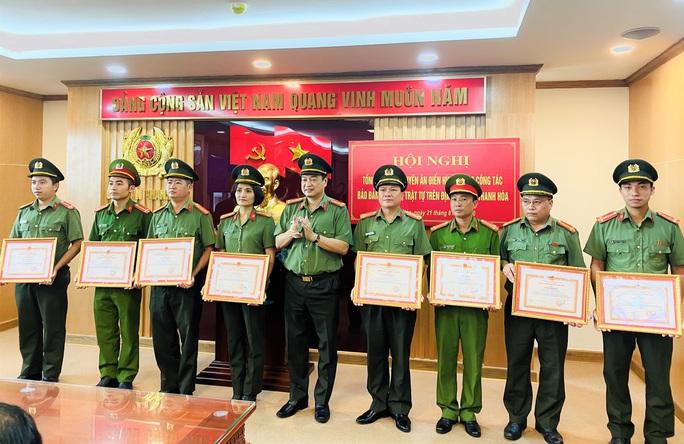 Phá nhiều vụ án phức tạp, Công an tỉnh Thanh Hóa được trao thưởng 100 triệu đồng - Ảnh 2.
