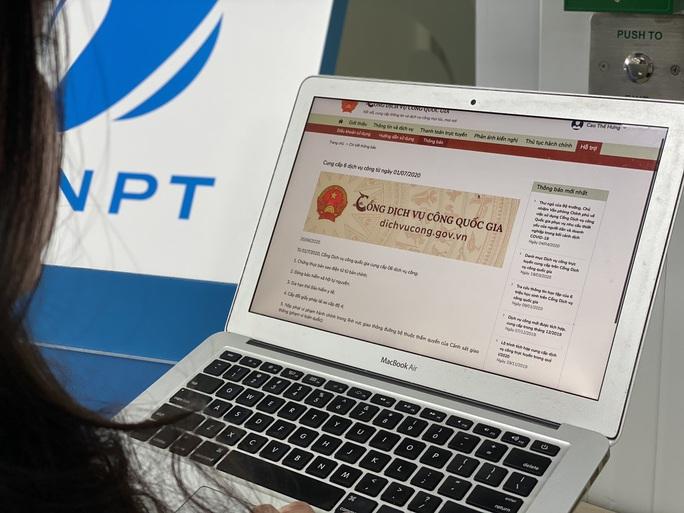 Nộp lệ phí trước bạ và nộp tờ khai đăng ký ôtô trực tuyến nhờ dịch vụ công số 1.000 - Ảnh 2.