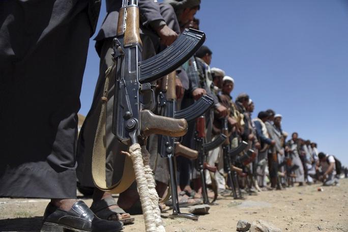 Liên minh Ả Rập Saudi hạ tên lửa Houthi trong chớp nhoáng  - Ảnh 1.