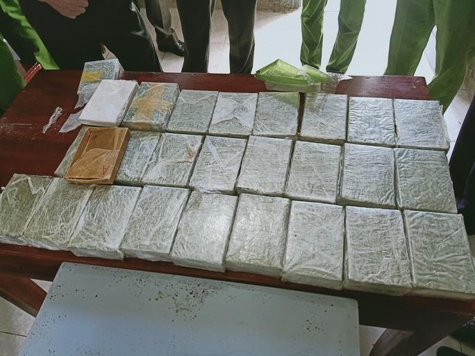 Phá 2 chuyên án khủng, thu giữ 53 bánh heroin và 25 kg ma túy các loại - Ảnh 4.