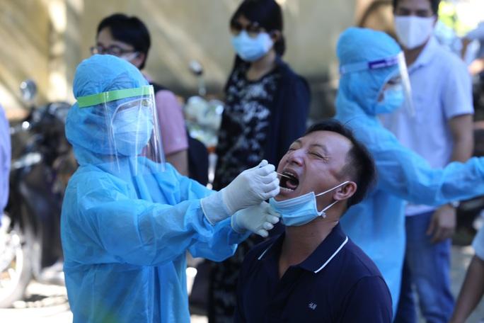 68,1% ca Covid-19 ở Quảng Nam không có triệu chứng, 62,7% ca bệnh là nữ - Ảnh 1.