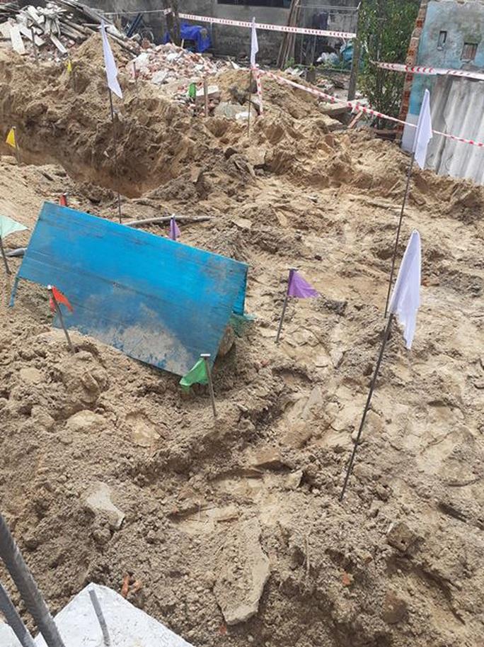 Quảng Nam- Quảng Trị: Đào móng nhà, phát hiện quả bom khủng - Ảnh 2.