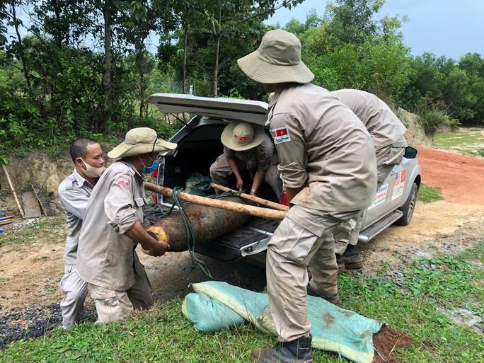 Quảng Nam- Quảng Trị: Đào móng nhà, phát hiện quả bom khủng - Ảnh 3.