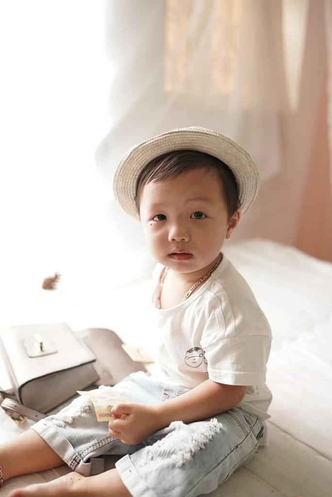 Tìm thấy bé trai hơn 2 tuổi mất tích tại công viên ở Bắc Ninh khi chơi cùng bố - Ảnh 2.