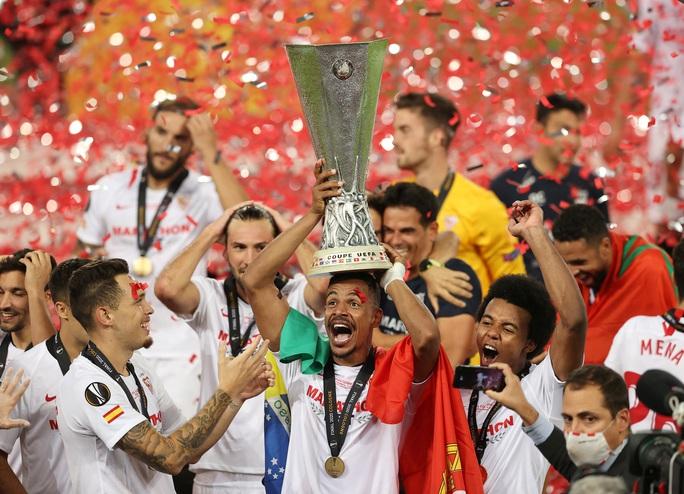 Người hùng Lukaku hóa tội đồ, Inter Milan dâng cúp cho Sevilla - Ảnh 11.