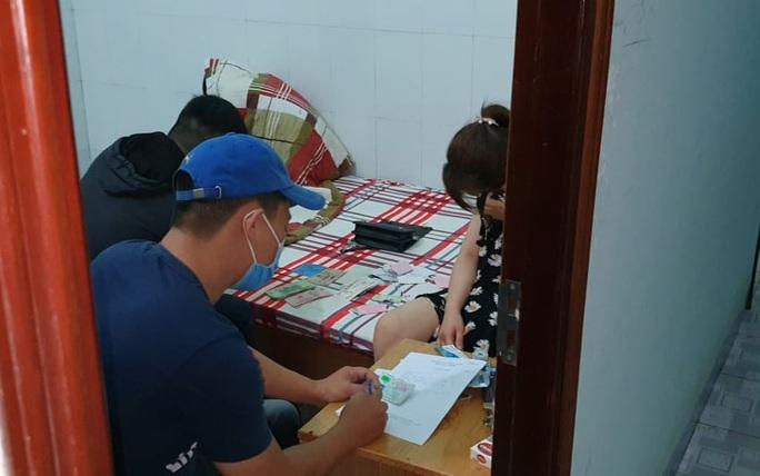 Phát hiện đường dây đưa các cô gái đến Đắk Lắk bán dâm - Ảnh 2.