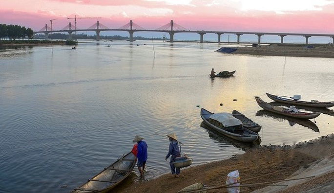 Rủ nhau tắm sông, 3 học sinh ở Quảng Ngãi đuối nước thương tâm - Ảnh 1.