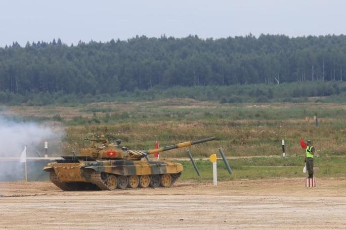 Đội xe tăng Việt Nam khởi đầu đẹp trong ngày ra quân Army Games 2020 - Ảnh 1.