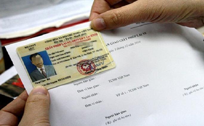 Bộ Công an đề xuất rút thời hạn giấy phép lái xe còn 5 năm: Chưa trình Thủ tướng - Ảnh 1.