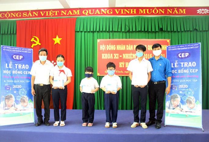 Đồng Nai: CEP trao học bổng cho học sinh nghèo hiếu học - Ảnh 1.