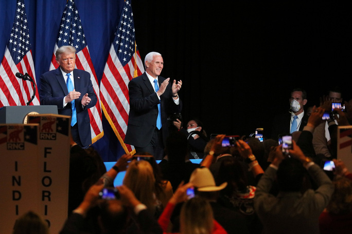 Nước Mỹ sẽ u ám nếu phe Dân chủ thắng cử (?!) - Ảnh 1.