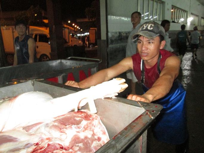 Giá thịt heo xuống thấp nhất 3 tháng qua - Ảnh 1.