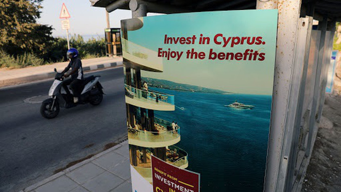 """Al Jazeera: Quan chức nhiều nước mua """"hộ chiếu vàng"""" của Cyprus - Ảnh 1."""
