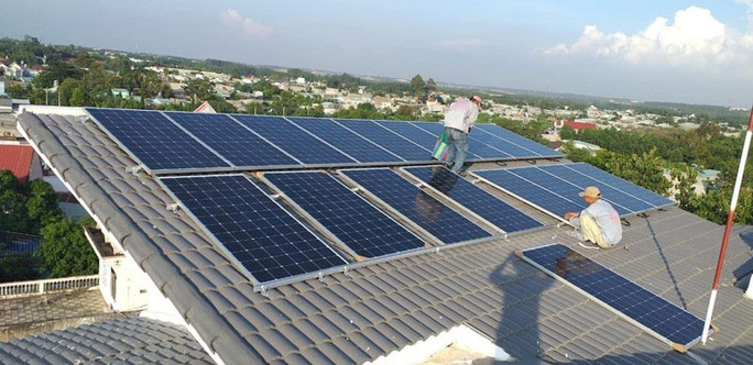 Cẩn trọng với điện mặt trời mái nhà - Ảnh 1.