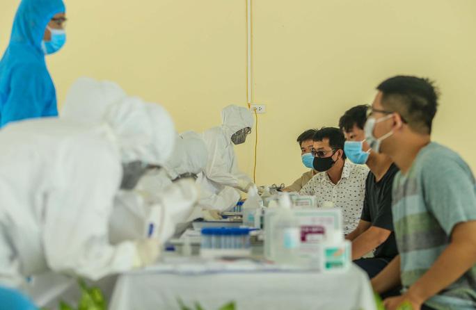 Nam thanh niên dương tính với SARS-CoV-2 ngay khi rời khu cách ly về nhà ở Hà Nội - Ảnh 1.