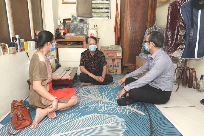"""""""Mai vàng nhân ái"""" tới thăm gia đình ca sĩ - Nghệ sĩ ưu tú Tuấn Phương - Ảnh 2."""