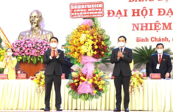 Ông Trần Hoàng Quân tái đắc cử Bí thư Huyện ủy Bình Chánh - Ảnh 1.