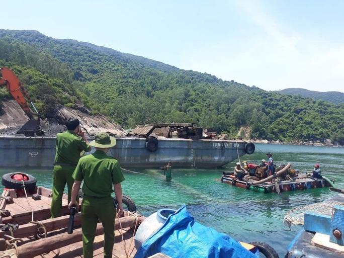 Đổ trộm chất thải xuống biển Đà Nẵng, doanh nghiệp bị phạt 752 triệu đồng  - Ảnh 3.