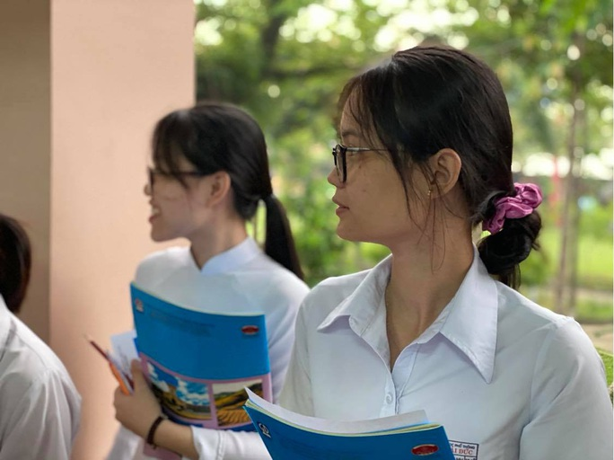 Nghệ An, Long An có điểm thi tốt nghiệp THPT và học bạ chênh lệch nhất - Ảnh 1.