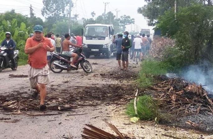 Vụ nổ chết người ở Quảng Nam: Nghi đầu đạn pháo cỡ lớn phát nổ - Ảnh 3.