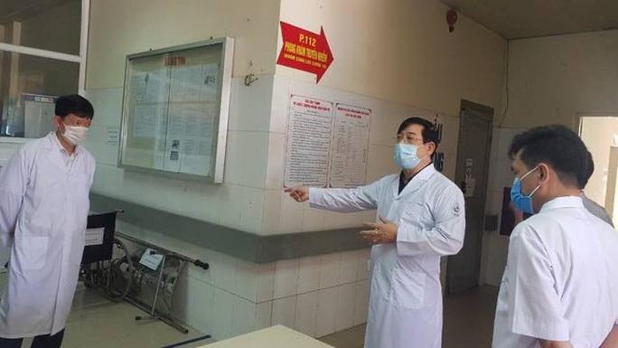 Bộ Y tế đề nghị tạm dừng hoạt động một bệnh viện để phòng Covid-19 - Ảnh 2.