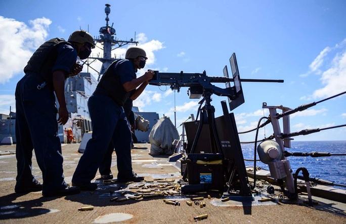 Trung Quốc phóng sát thủ tàu sân bay ra biển Đông, hải quân Mỹ bình thản - Ảnh 2.