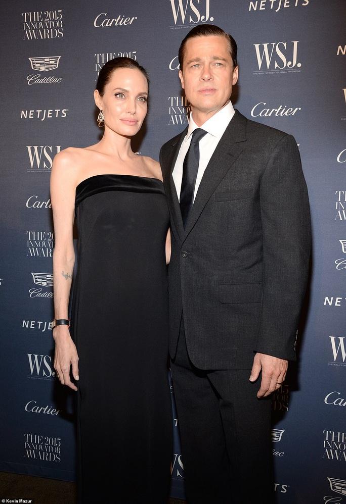 """Brad Pitt bị """"vạch trần"""" say mê tình trẻ từ 9 tháng trước - Ảnh 10."""