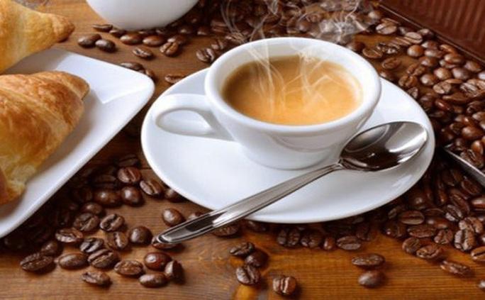 2 tách cà phê mỗi ngày, tác dụng bất ngờ lên loại ung thư phổ biến - Ảnh 1.