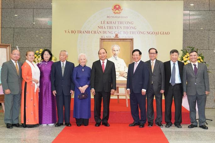 Thủ tướng nhớ tới các chiến sĩ ngoại giao nơi tiền phương - Ảnh 9.