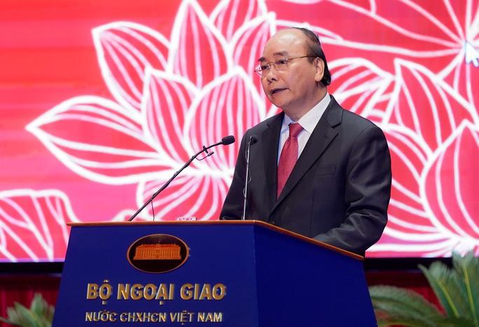 Thủ tướng nhớ tới các chiến sĩ ngoại giao nơi tiền phương - Ảnh 2.