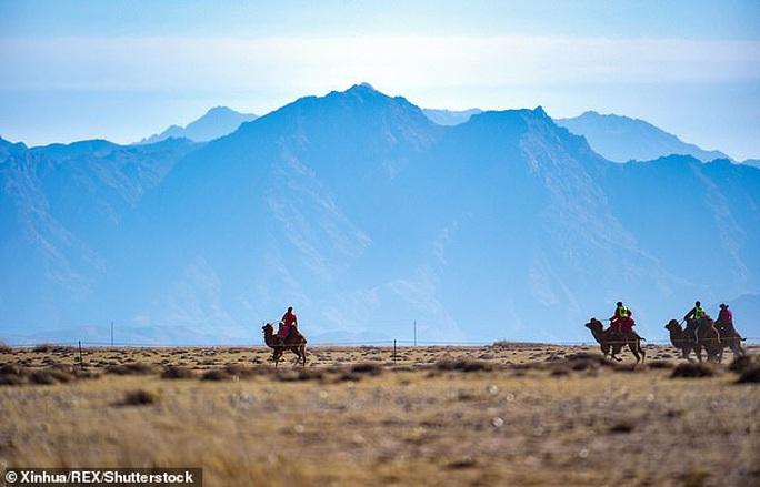 """17 tỉnh Mông Cổ cảnh báo """"cái chết đen"""", Trung Quốc sợ dịch chồng dịch - Ảnh 1."""