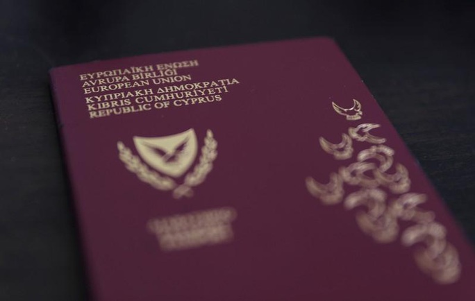 """Lỗ hổng nguy hiểm trong chương trình """"hộ chiếu vàng"""" của Cyprus - Ảnh 1."""