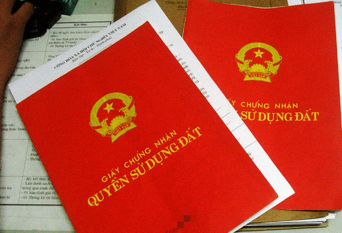 Vụ đem 19 sổ đỏ của dân cho người quen mượn: Đề nghị công an vào cuộc thu hồi lại sổ đỏ - Ảnh 1.