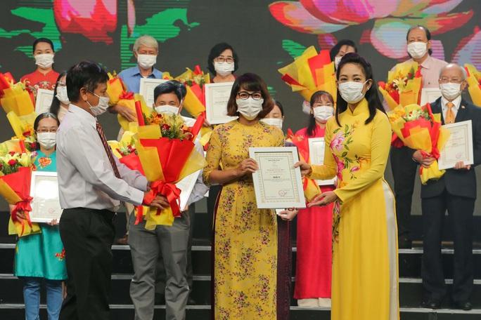 Báo Người Lao Động đoạt giải A và C về học tập, làm theo gương Bác - Ảnh 6.