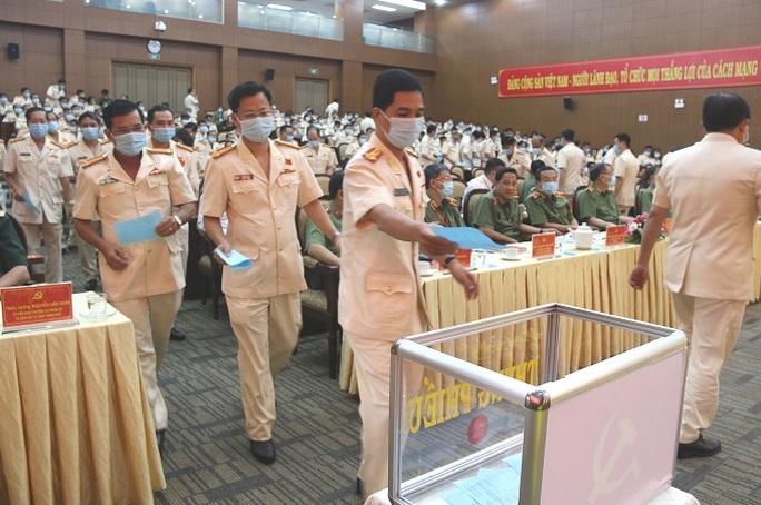 Đại tá Lê Hồng Nam giữ chức Bí Thư Đảng ủy Công an TP HCM - Ảnh 5.