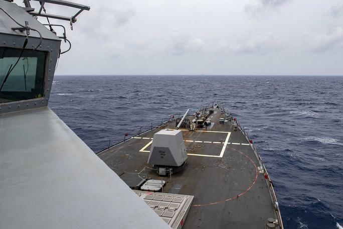 Mỹ tố Trung Quốc phóng 4 tên lửa ra biển Đông - Ảnh 2.