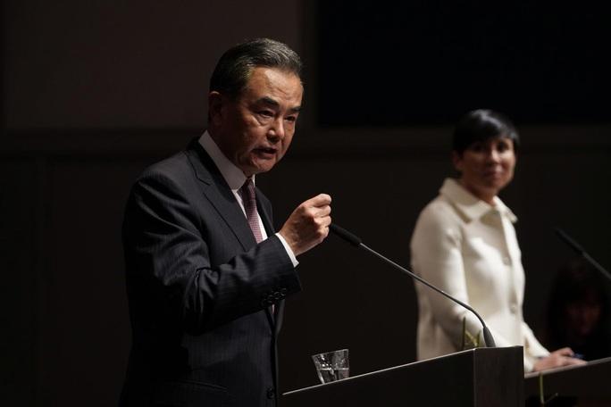 Bộ trưởng Ngoại giao Trung Quốc Vương Nghị ngầm chỉ trích TT Trump - Ảnh 1.