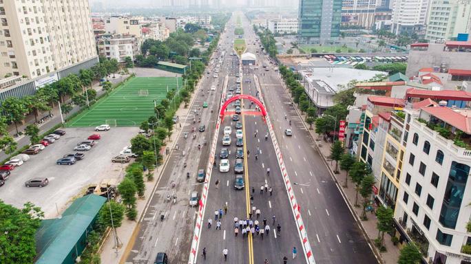 Cận cảnh cầu vượt hơn 500 tỉ đồng mới thông xe - Ảnh 2.