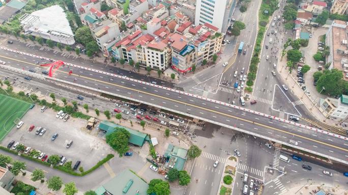 Cận cảnh cầu vượt hơn 500 tỉ đồng mới thông xe - Ảnh 5.