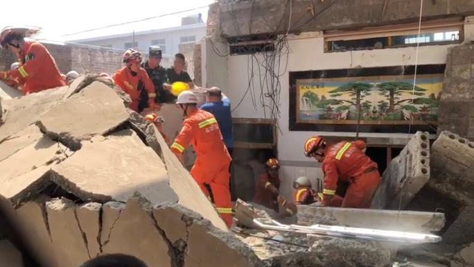 Trung Quốc: Sập nhà hàng, 13 người thiệt mạng - Ảnh 1.