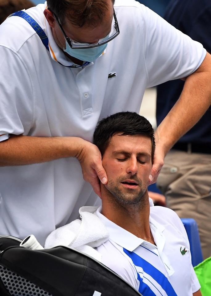 Clip Djokovic ngược dòng thắng, vào chung kết Cincinnati Open 2020 - Ảnh 4.